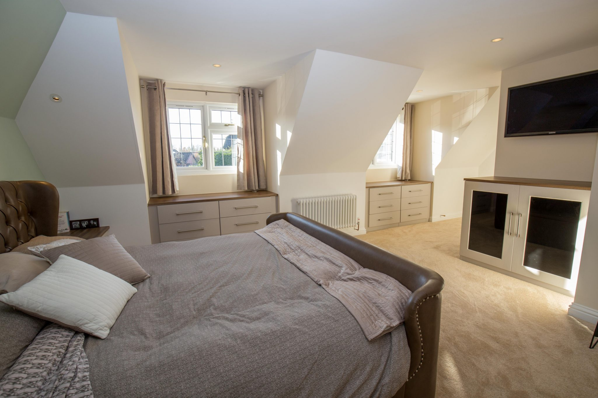 The Project The project requested by the client was to construct a new loft conversion over an existing ground floor extention to form a master bedroom and ensuite adjacent to the…